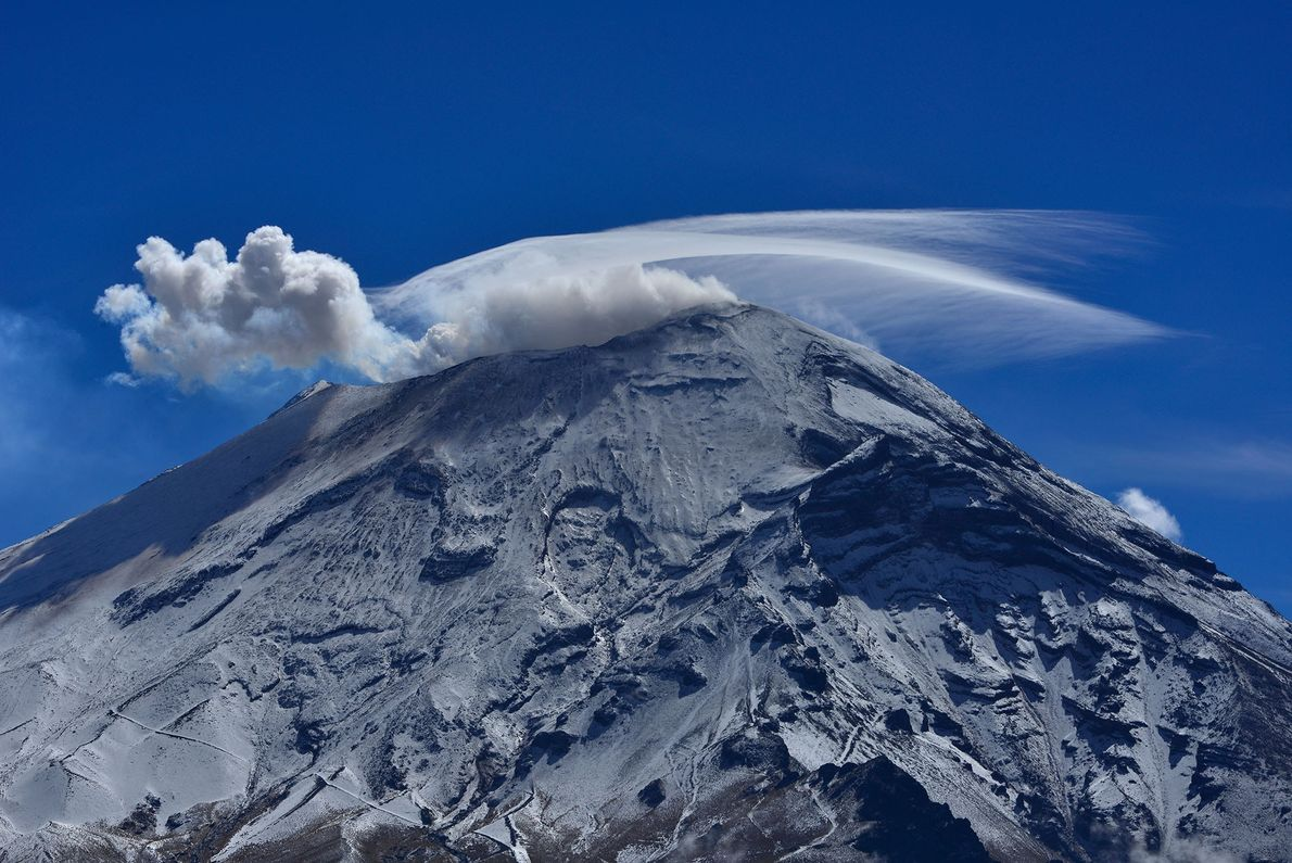 Popocatépetl is an active stratovolcano located in the Trans-Mexican volcano belt.