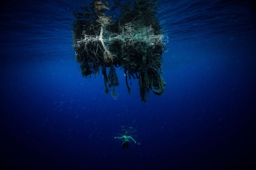 This is what it's like to swim through the Great Pacific Garbage Patch