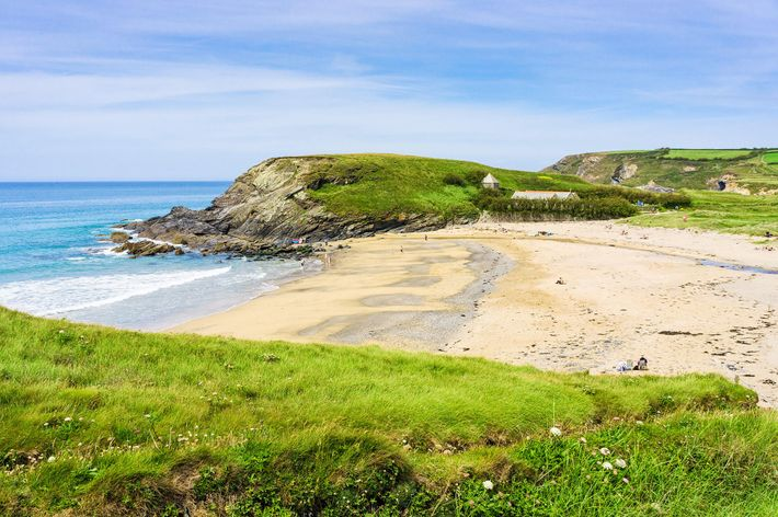 The beach at Gunwalloe Coveisn't safe for swimming but the steep seabed drop-off can make for ...