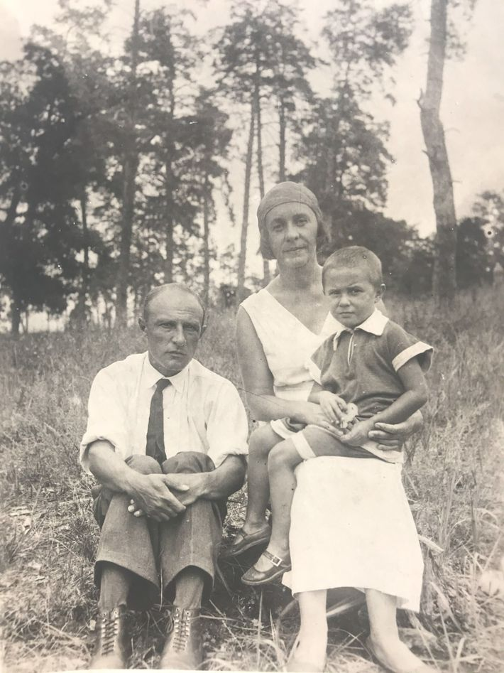 Helena and her parents in Plyuti in 1938. At that time it was customary to crop ...