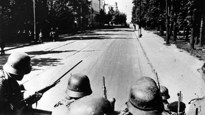 Caught between Hitler's troops and Stalin's: How one family escaped