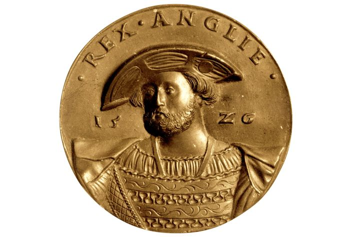 Henry VIII on a gold coin from 1520.