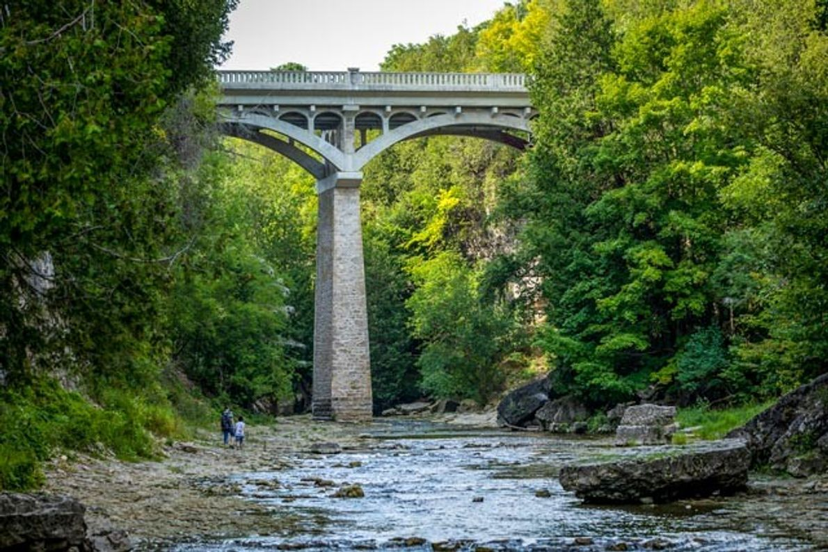 Hike in the Elora Gorge along Irvine Creek and the Irvine River Bridge.