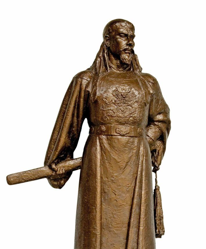 Hong Xiuquan. A bronze statue of the revolutionary in Nanjing.