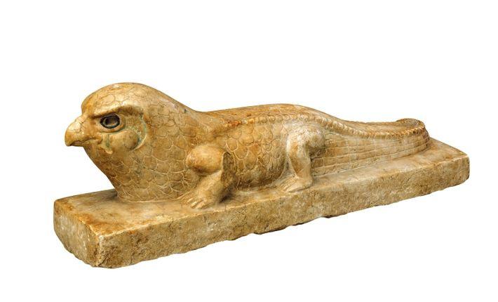 horus stone statue