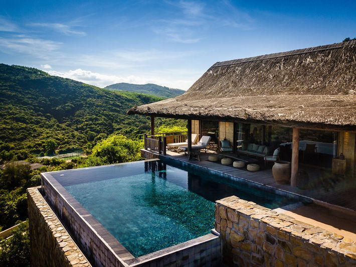 An infinity pool at Bãi San Hô, the luxurious Vietnam outpost of the Zannier Hotels group.