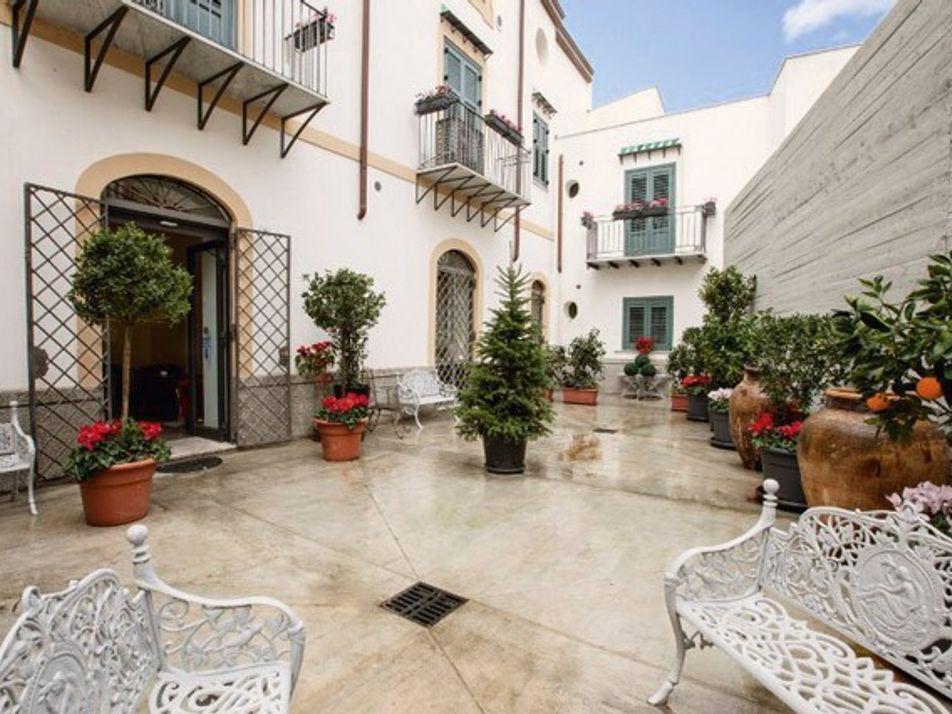 Rooms under £100: Palermo