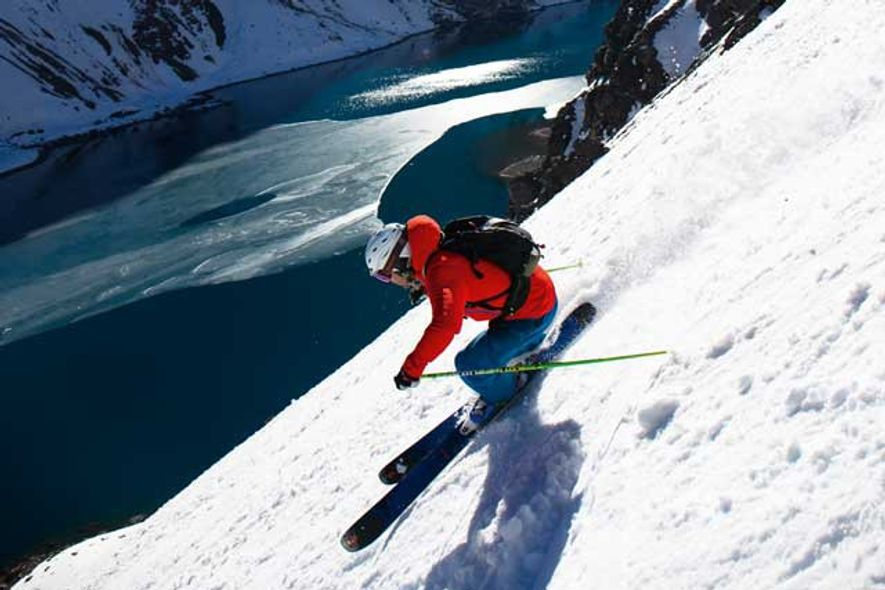Noah Bartsch skis down Garganta