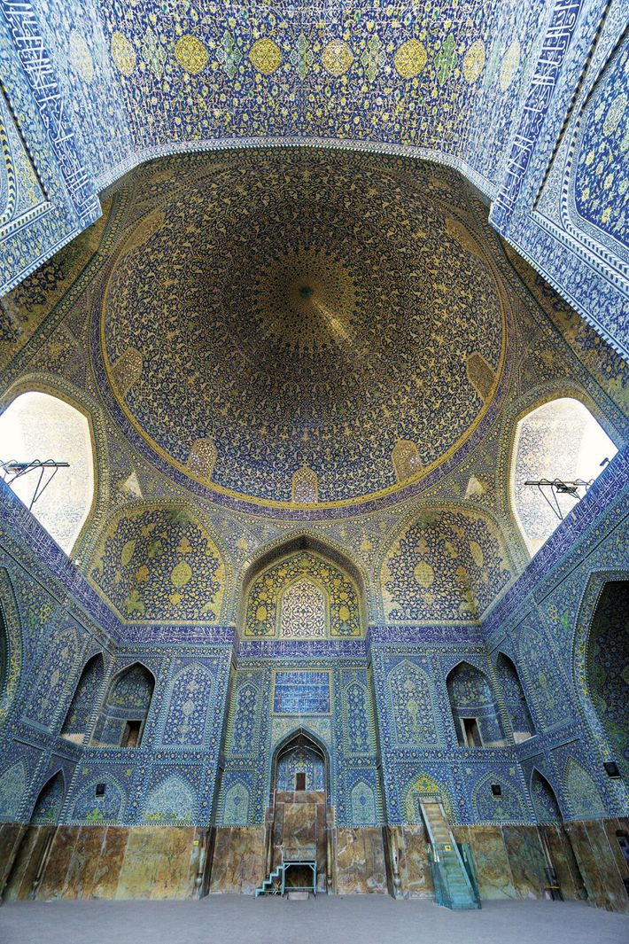 The dome in the Imam (Shah) Mosque, in Isfahan, Iran, bounces sounds from floor to ceiling.