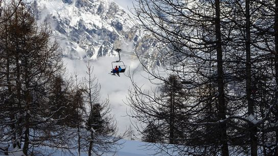 A small Swiss resort that lives for skiing, La Tzoumaz offers superb-value-for-money accommodation and tranquil village ...