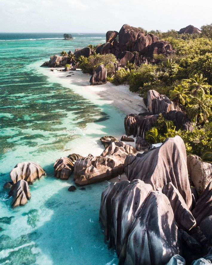 Sunrise over Anse Source D'Argent on La Digue Island in the Seychelles.