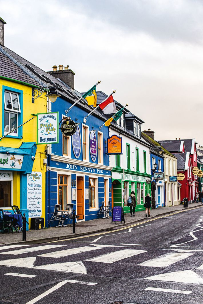 Colourful street in Daingean Uí Chúis, more commonly known as Dingle.