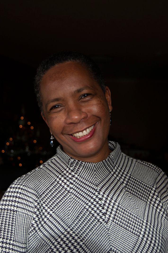 Award-winning authorIrene Sabatini spent her childhood in thecity of Bulawayo in Zimbabwe.