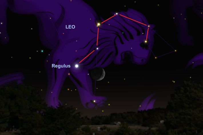 The moon will hover near the star Regulus on June 17.