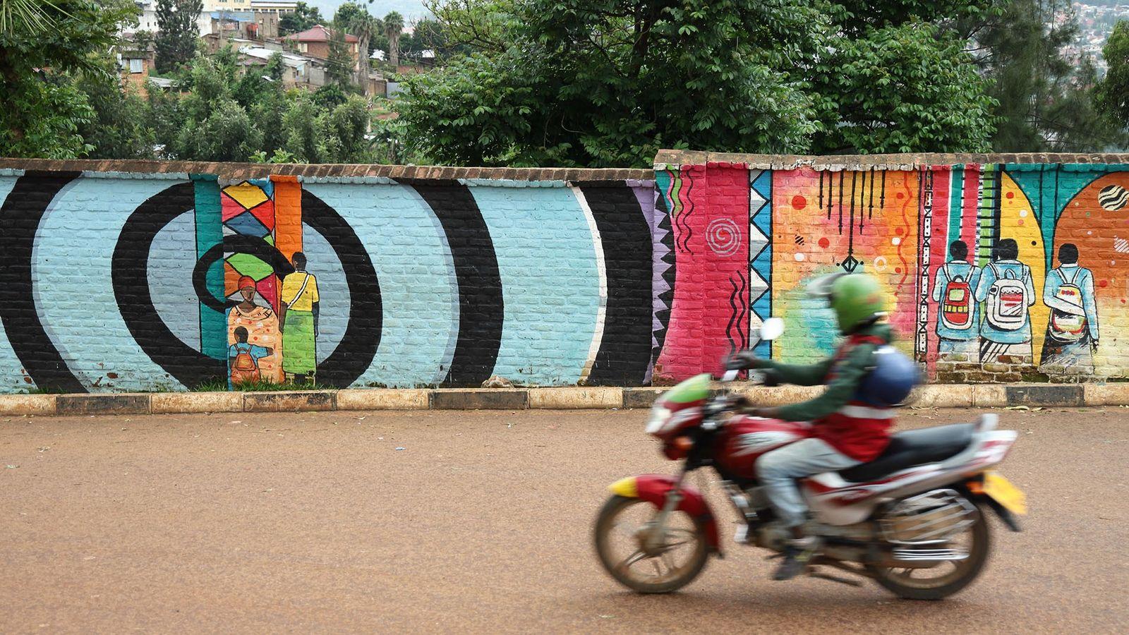 Street art facilitated by Kurema, Kureba, Kwiga.