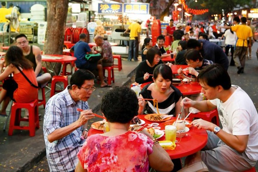 Al fresco dining in Kuala Lumpur. Image: Getty Images