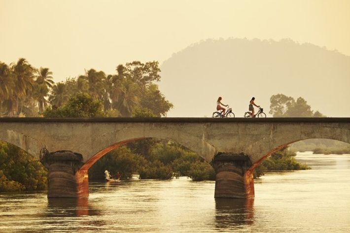 Colonial-era railway bridge over the Mekong, Don Det