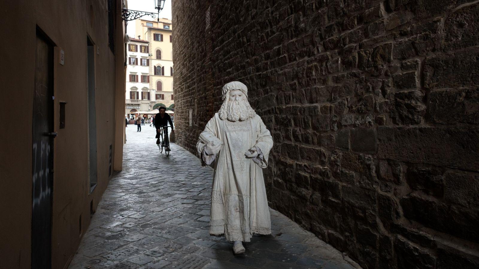 Valter Conti, strolling through one of Florence's narrow alleyways, began posing as Leonardo da Vinci in ...