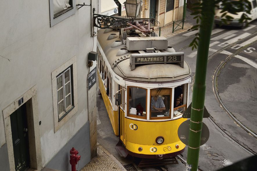 Lisbon: through the eyes of travel writers