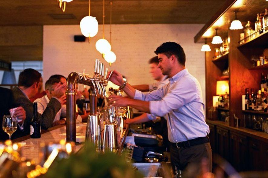 Bar, Hoxton Holborn. Image: Hoxton Holborn