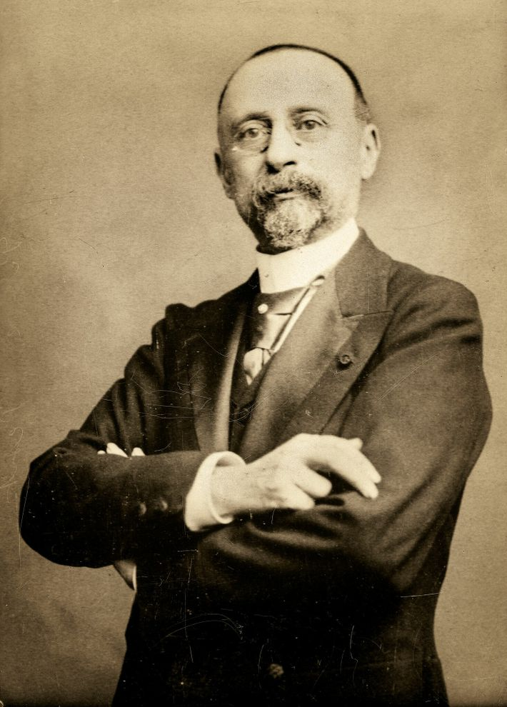 Engineer and architect. Marcel Dieulafoy, circa 1900.