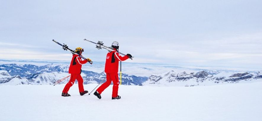 Two skiers on a mountain