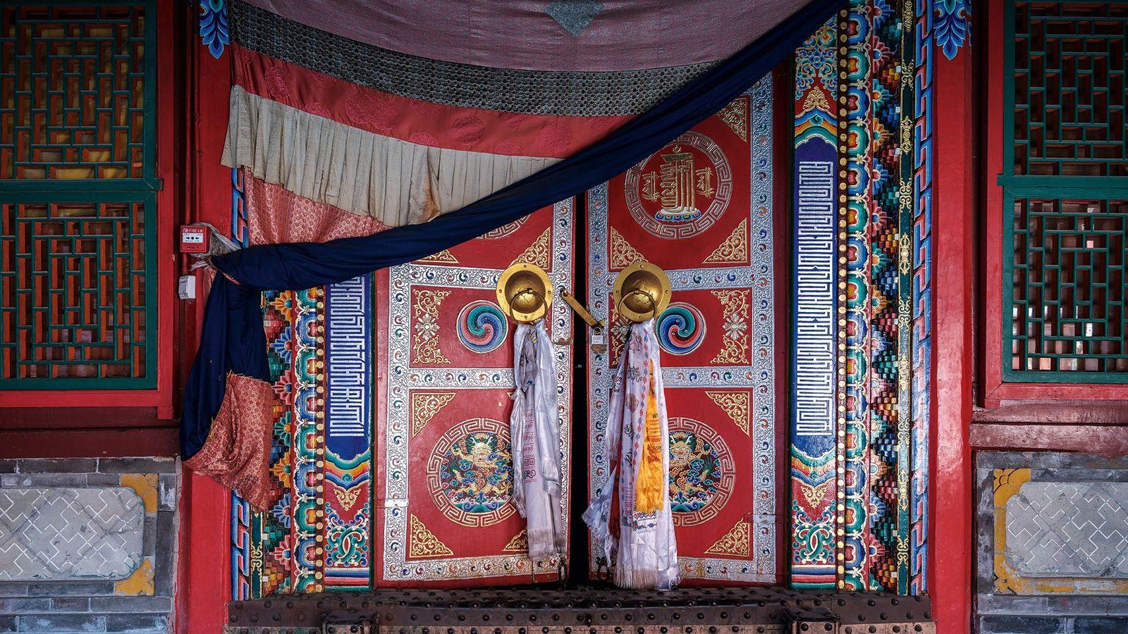 One of Kumbum monastery's many ornate doors