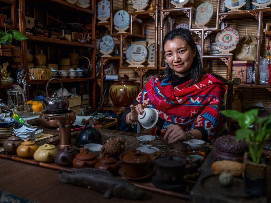 Zhen Zheng, tea shop owner.