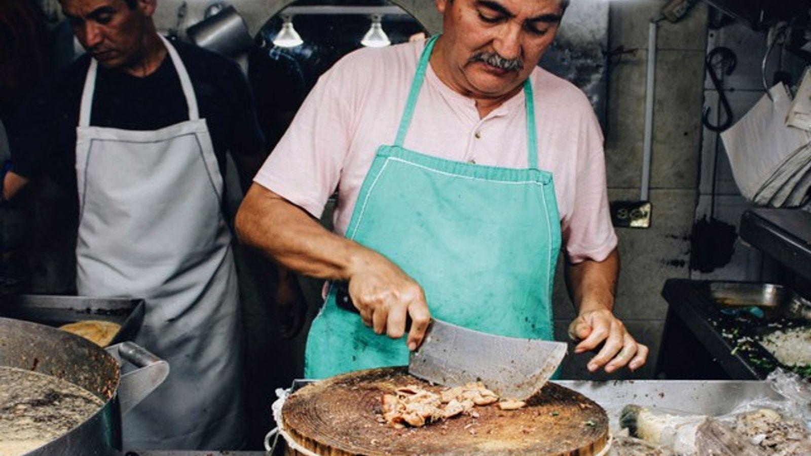 Tacos being prepared at Taquería Los Cocuyos, Mexico City