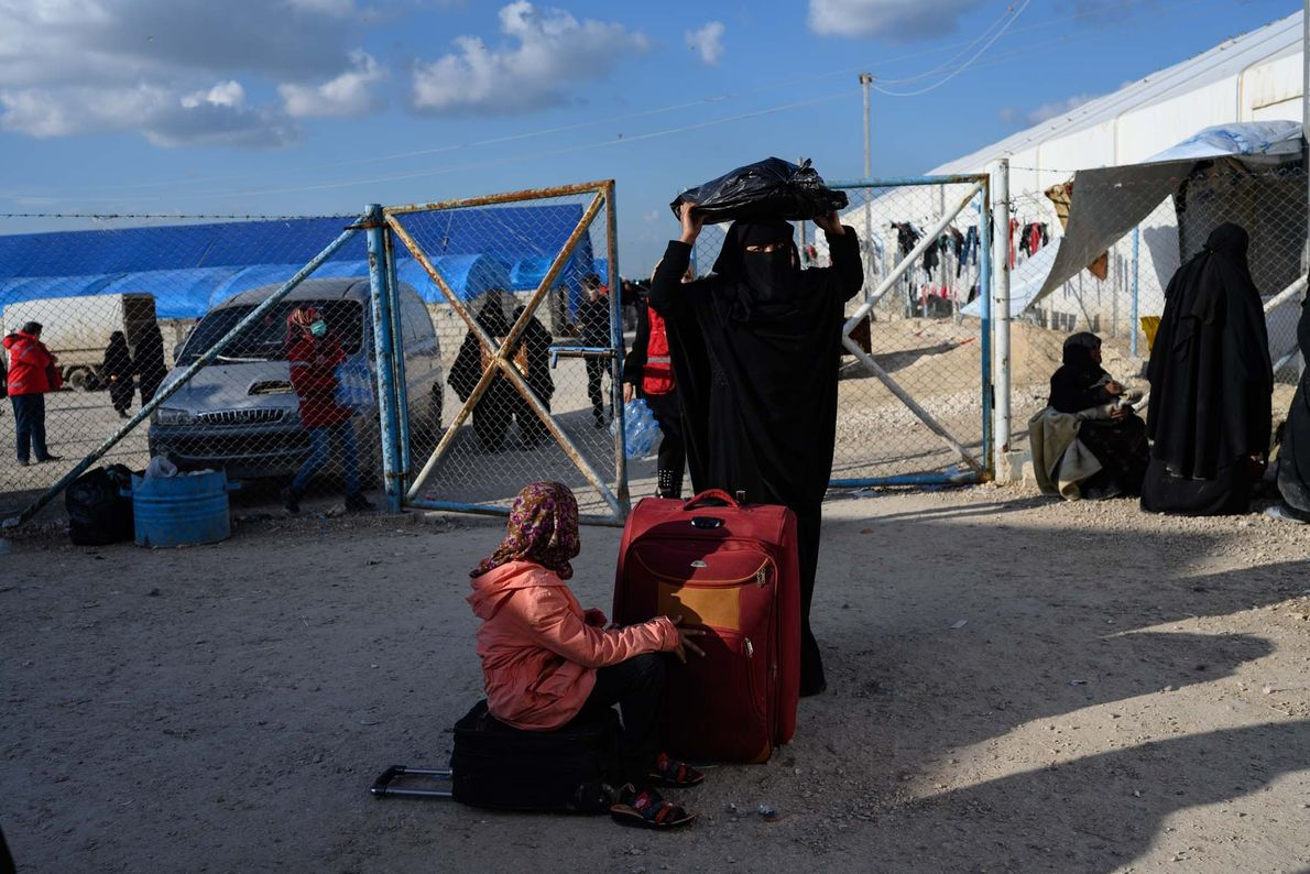 Several thousand women and children arrived at the registration area of al-Hol refugee camp in March.