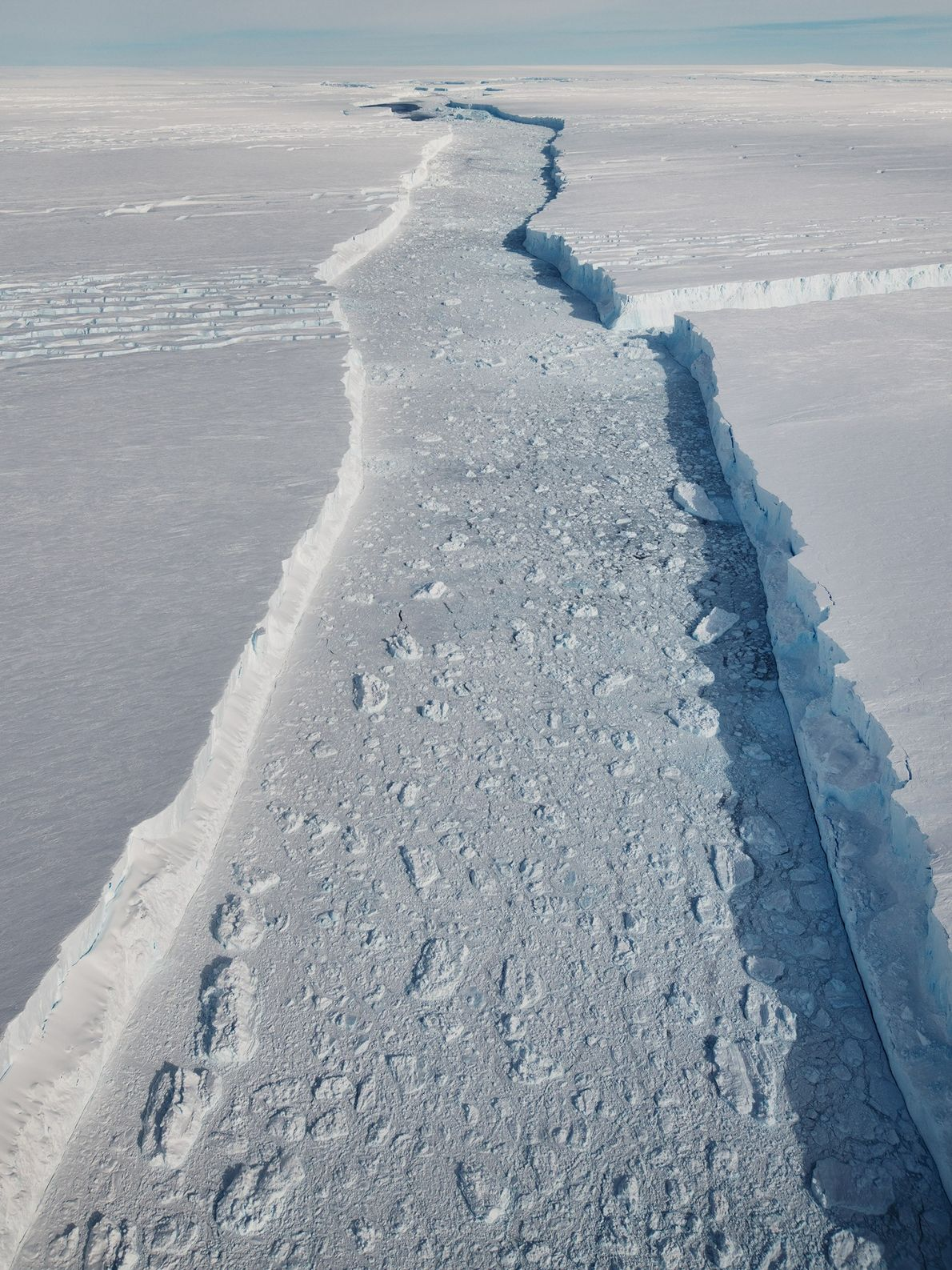 Another view of the main fissure between B-46 and the ice shelf.