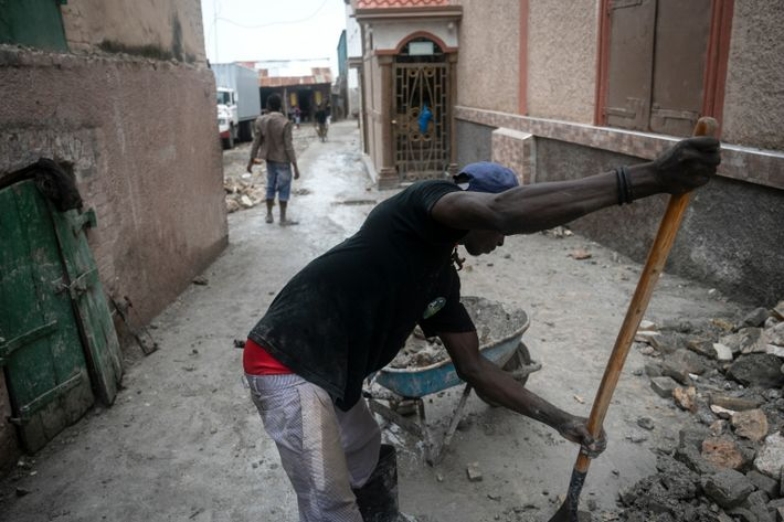 Just days after the powerful earthquake that hit Haiti this week, residents of Haiti's southern peninsula ...