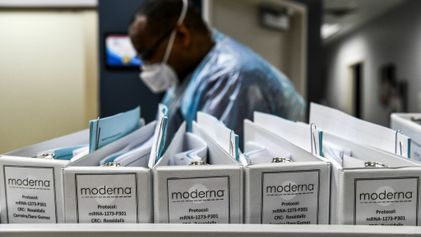 Why Moderna may have an edge in the vaccine race: refrigeration