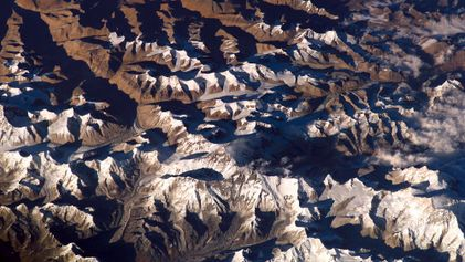 Rugged 'mountains' taller than Everest lurk deep inside Earth