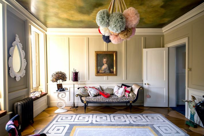 Acclaimed interior designer David Carter renovated a derelict Queen Anne townhouse in Bethnal Green into 'micro boutique ...