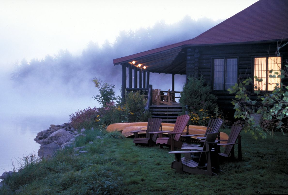 Stay at one of the many small idyllic resorts that surround Algonquin Provincial Park.