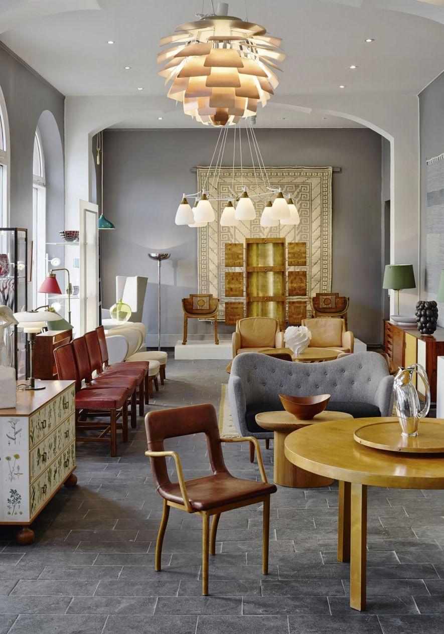 Modernity furniture showroom