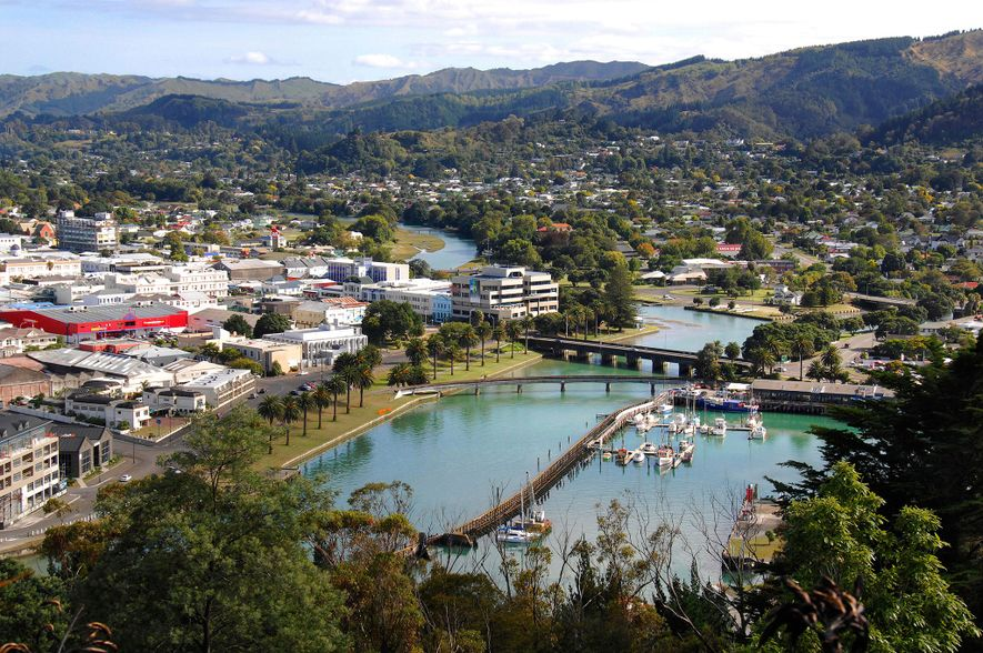 Gisborne's Poverty Bay memorialises the site where Captain James Cook first stepped ashore on Aotearoa (New ...