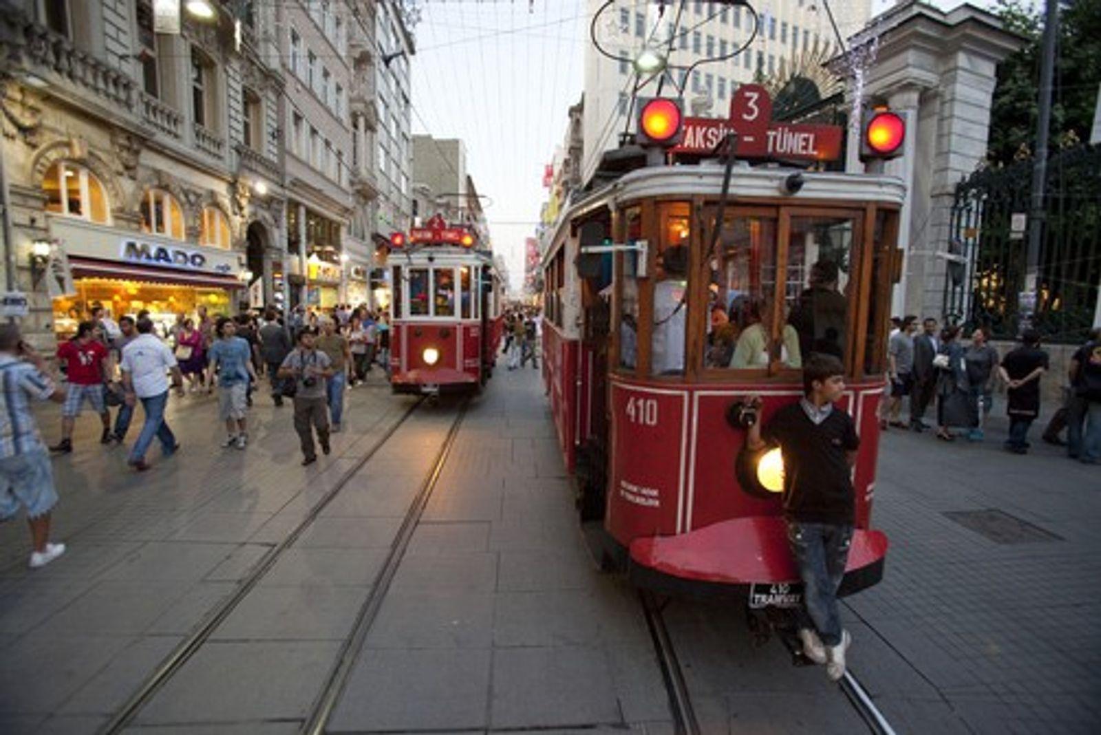 Istanbul: A Little Bazaar
