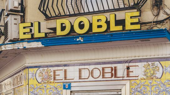 El Doble, a bar on Calle Ponzano famous for its seafood.