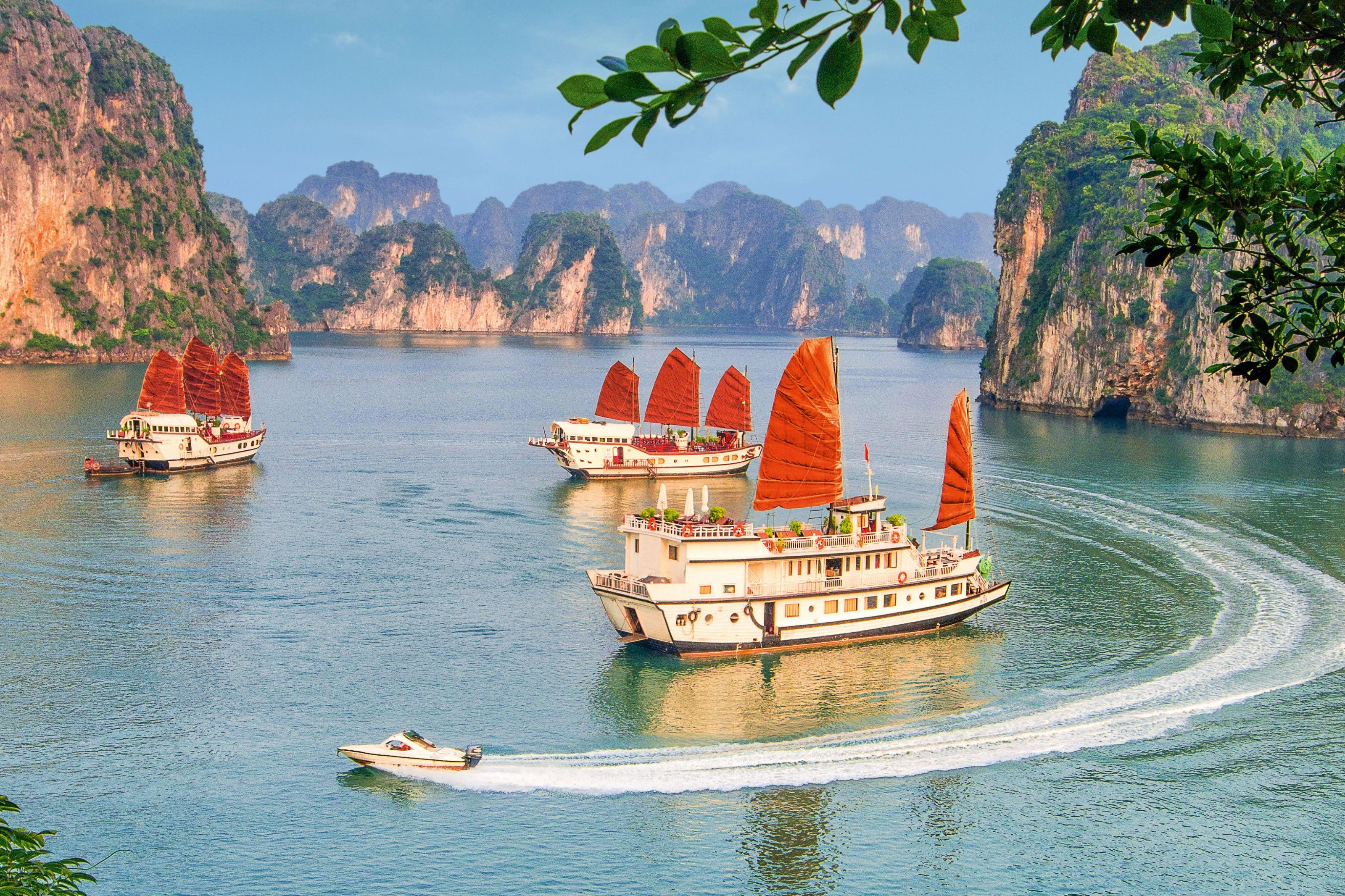 Mountains, islands and caves: exploring the highlights of Ha Long Bay
