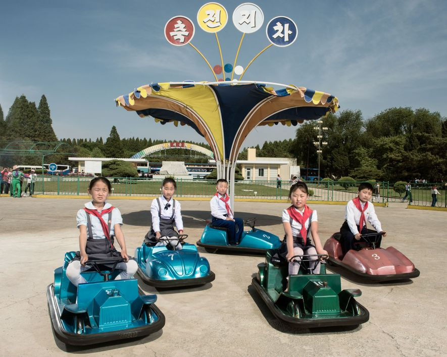 This Is What Daily Life in North Korea Looks Like