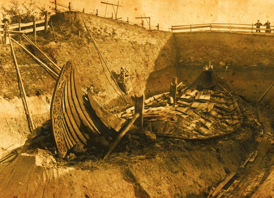 Professor Gustafson and his team carefully excavated the ship from the Oseberg burial mound in 1904.