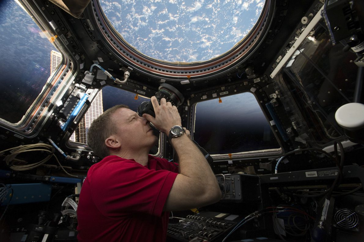 Taking photos from the space station's Cupola was one of Terry Virts's favourite things to do ...