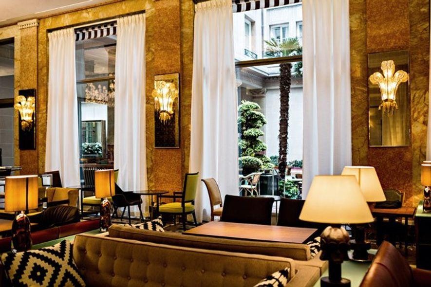 Bar Les Heures, Prince de Galles hotel, Paris. Image: Starwood