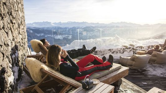 Wild luxury and excellent skiing: a winter in the Valais