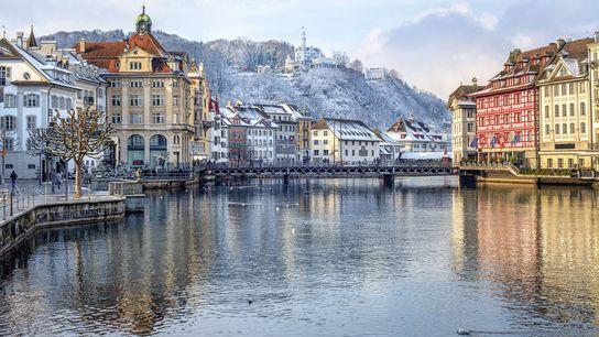 The Reuss running through Lucerne.