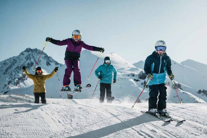 There are dozens of ski schools, kindergartens and children's programmes in Zillertal, meaning childcare is easily arranged.