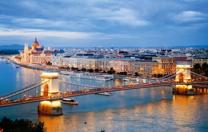 The classicist-style Széchenyi Chain Bridge was built between 1839 and 1849 and spans the mighty River ...