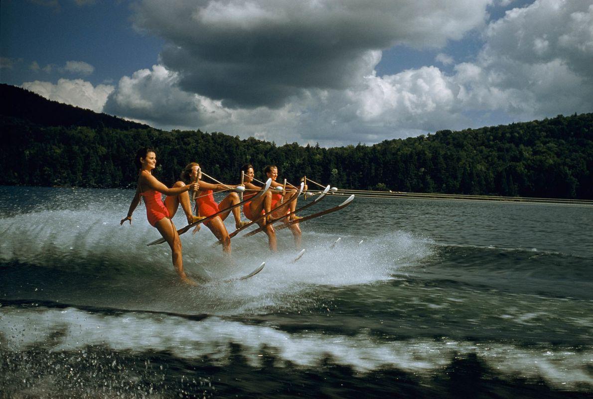 Synchronized Skiing